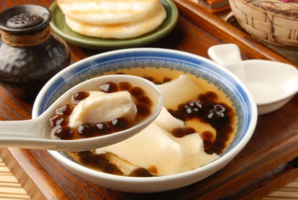 How to make Vietnamese Silken Tofu in Ginger Syrup Dessert (Tau Hu Nuoc Duong)